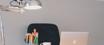 Featured desk lamp design