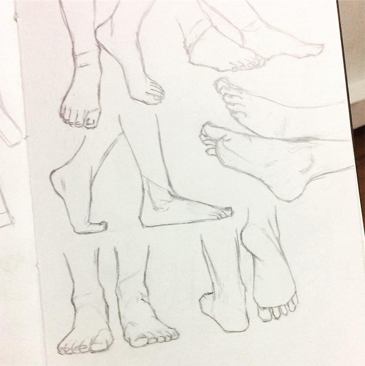 Walking and running feet drawings