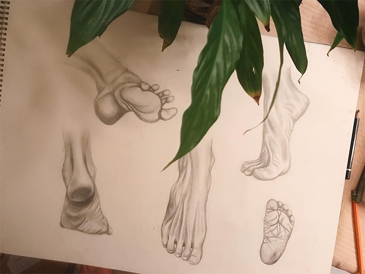 Quick sketches of feet
